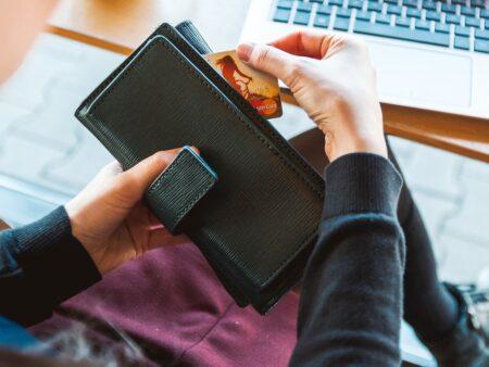 Håll dig säker när du investerar pengar