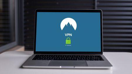 Varför ska du definitivt ha en VPN-applikation installerad år 2021?